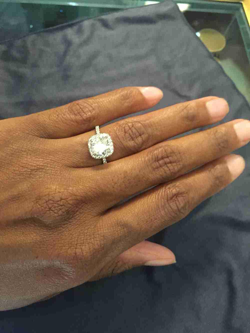 婚約指輪の値段