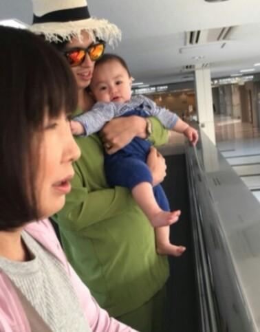 アレク&川崎希 ハワイでスイートルーム宿泊&ティファニーで買い物
