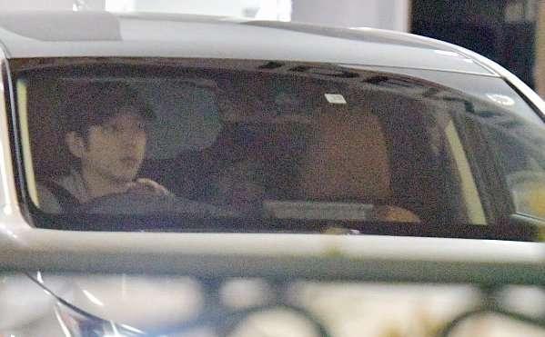 二宮和也と伊藤綾子アナ、屋外でのドライブデートを初キャッチ