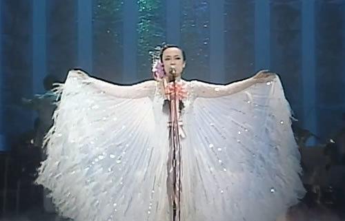 歌を披露してる俳優・女優