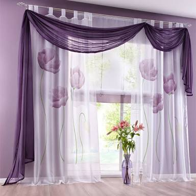 リビングのカーテン何柄の何色ですか?