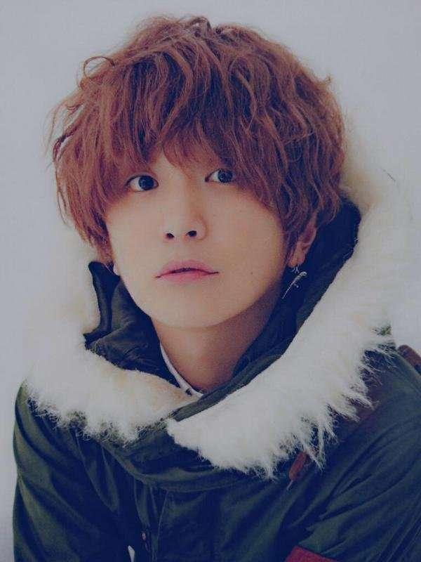SEKAI NO OWARI・Fukase、ソロ初CMで多部未華子と共演 「RAIN」を弾き語り