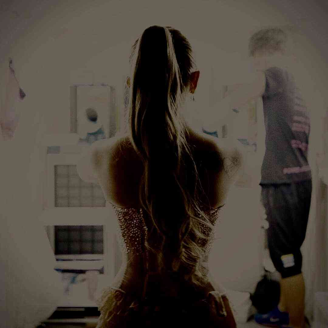 """浜崎あゆみの""""圧巻美くびれ""""に釘付け 意味深コメントにも注目集まる"""