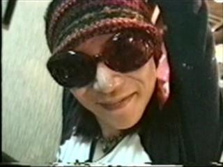 YOSHIKI、「涙が止まらない」hideの命日に投稿したメッセージが感動を呼ぶ