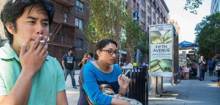 『歩きタバコ禁止』の貼り紙に、ゾッとするひと言が!「クレーマーへの配慮なのか…」