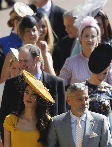素敵な帽子、ファシネーターを被っている画像