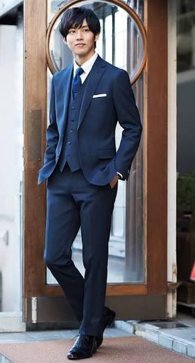 「これはヤバイやつ」「鼻血でそう」ゲス川谷絵音の貴重なスーツ姿に注目集まる!
