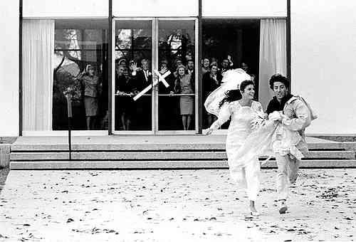 結婚式当日に相手に逃げられたり、逃げた経験ある方っていますか?