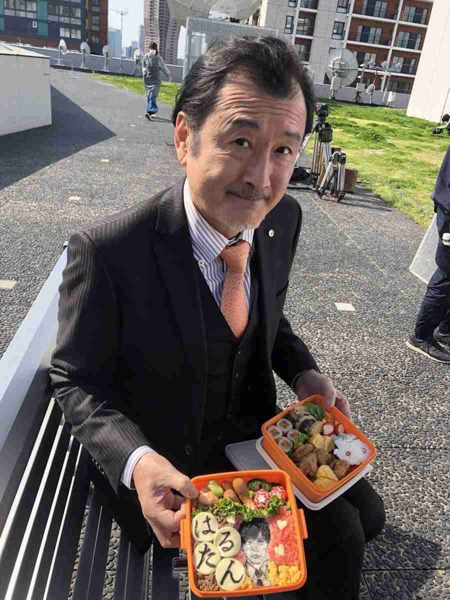 """田中圭、""""デートなう""""写真公開も 熱烈ファン「牧の手をはなさないで!」"""