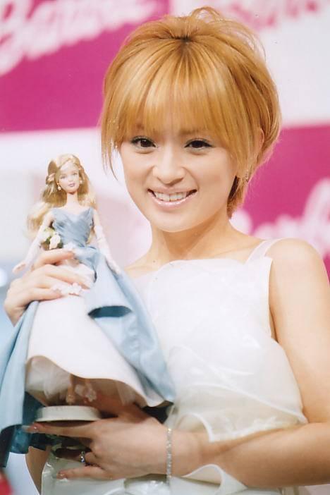 【画像】お人形さんみたいな顔