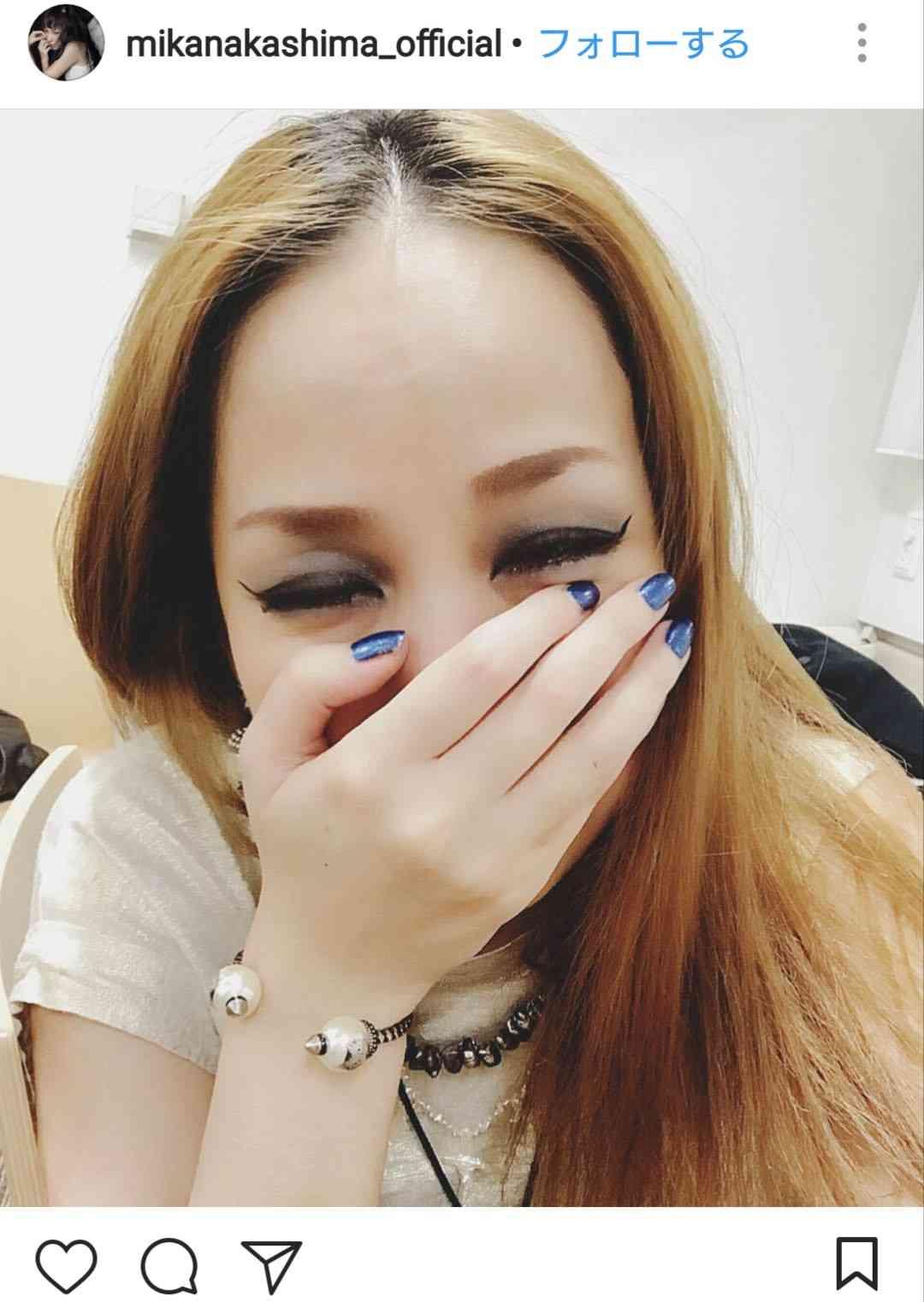 """中島美嘉「スッピン可愛い」「超美肌」""""オフの日""""自撮りショットに反響"""