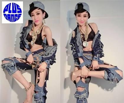 """人類はなぜ服を着るのか…1万9000円の""""ダメージジーンズ""""にネット上がざわつく"""