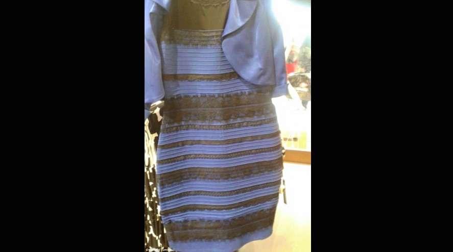 服を買うとき色で迷ったらどうやって決めていますか?