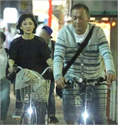 西城秀樹さん訃報にぶつけた?渡辺謙、離婚発表に「あり得ない」「無様」とマスコミ呆れ