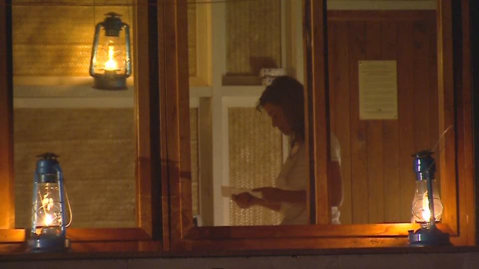 カーテンをしない家の人は見られても大丈夫なんでしょうか。