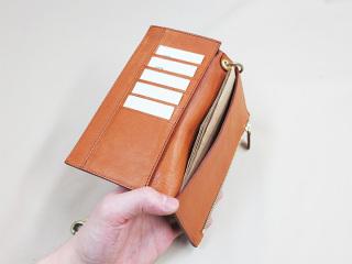 行楽先や旅行先では財布のヒモがゆるみますか?