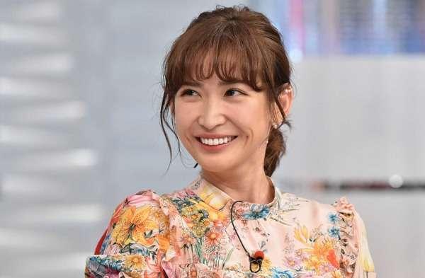 紗栄子、「肌がキレイでヤバい…」31歳のスッピン顔に称賛の嵐