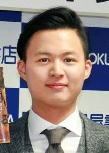 貴乃花親方の長男、花田優一さん。靴作りで世界デビュー