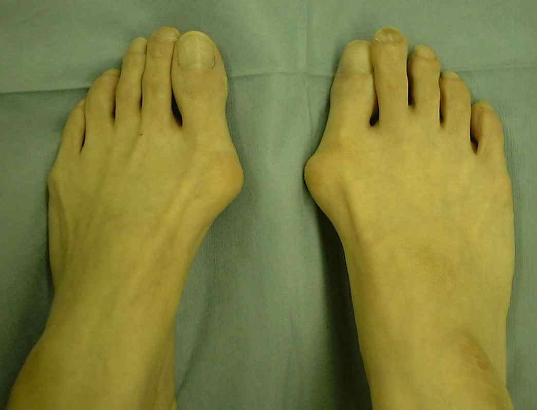 足が大きくて幅広い人におすすめパンプス