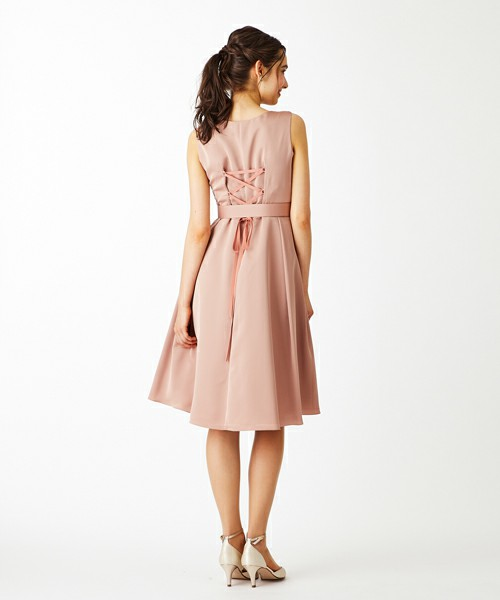 真夏のお呼ばれドレス