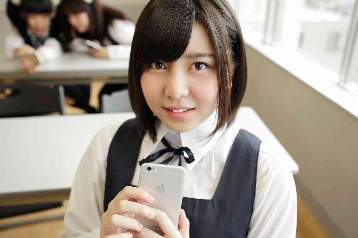 ストーカー被害の元AKB岩田華怜、ファンとアイドルの関係に持論「行き過ぎなければいい」「絆は強い」