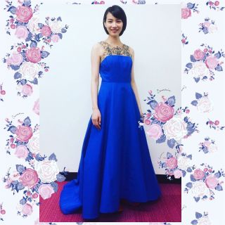 芸能人のドレスアップ写真