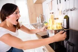 主婦が家事でやらかす事件