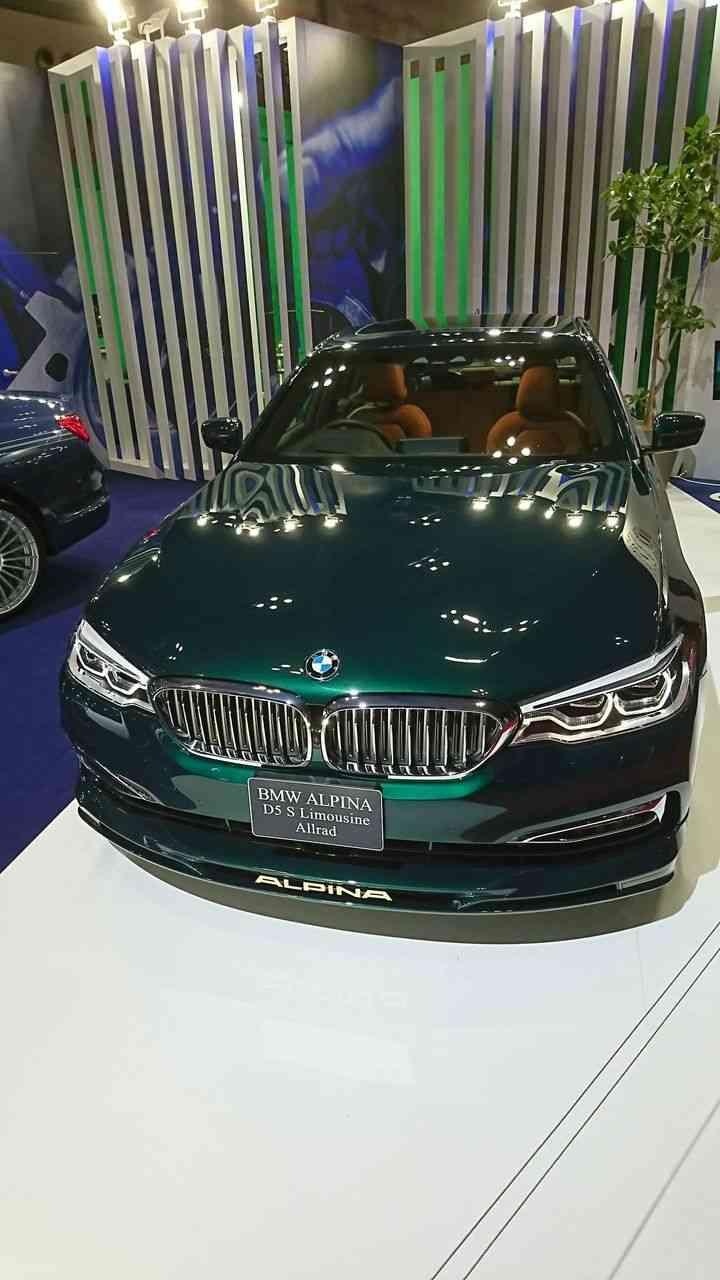 落ち着いていて上品なデザインの車ってどんな車ですか?