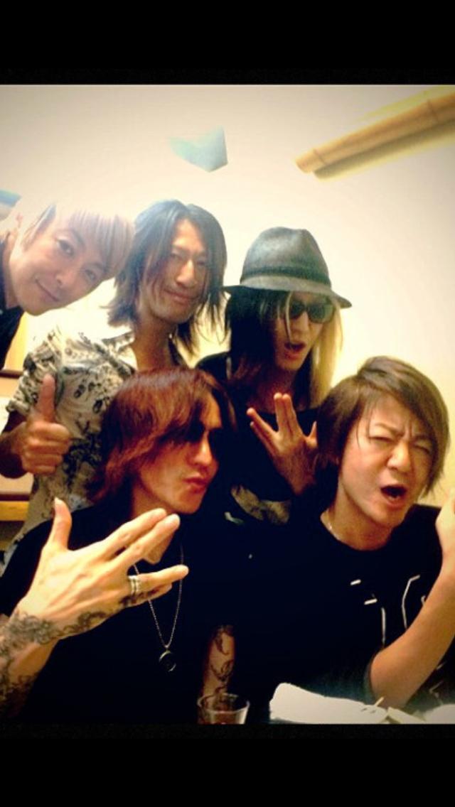 【日本限定】仲良しのバンドは?