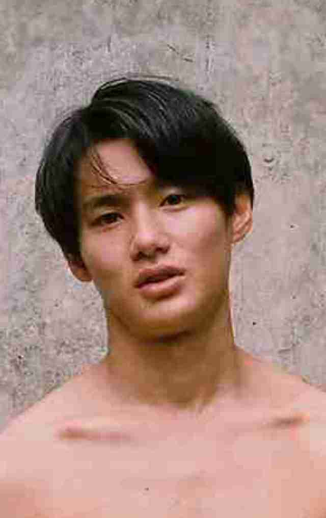 炎上メーカー?野村周平、きわどすぎる全裸写真が物議「何がしたいのかわからない」