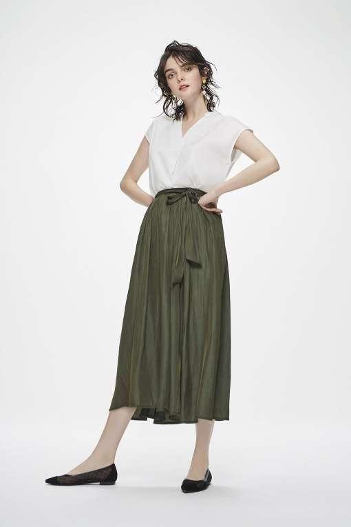 今年の流行りの服を来年も着るつもりで買いますか?