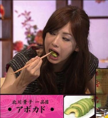 男性は良く食べる女性と食の細い女性…どっちが好きだと思いますか?