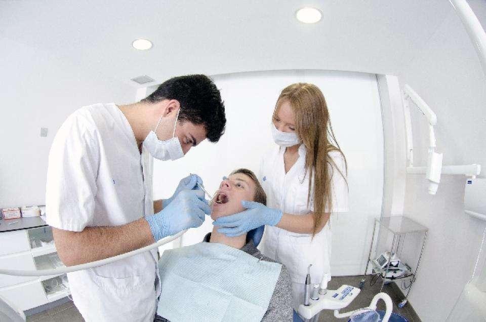 歯の保険外治療は当たり前ですか?