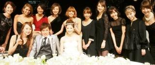 結婚式お呼ばれワンピース何色着ますか?