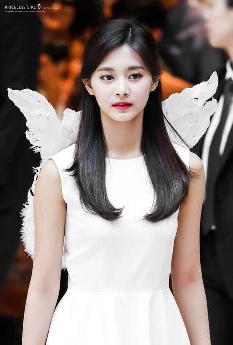 橋本環奈、金髪の妖精姿が可愛すぎ「リアル天使」「美しい」と絶賛の声相次ぐ
