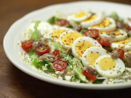 卵をのせると大体の料理は美味しくなる説
