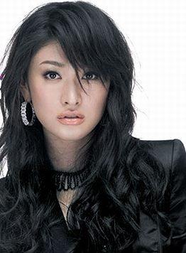 山田優、横顔写真が「暑さを忘れる美しさ」とファンの間で話題に