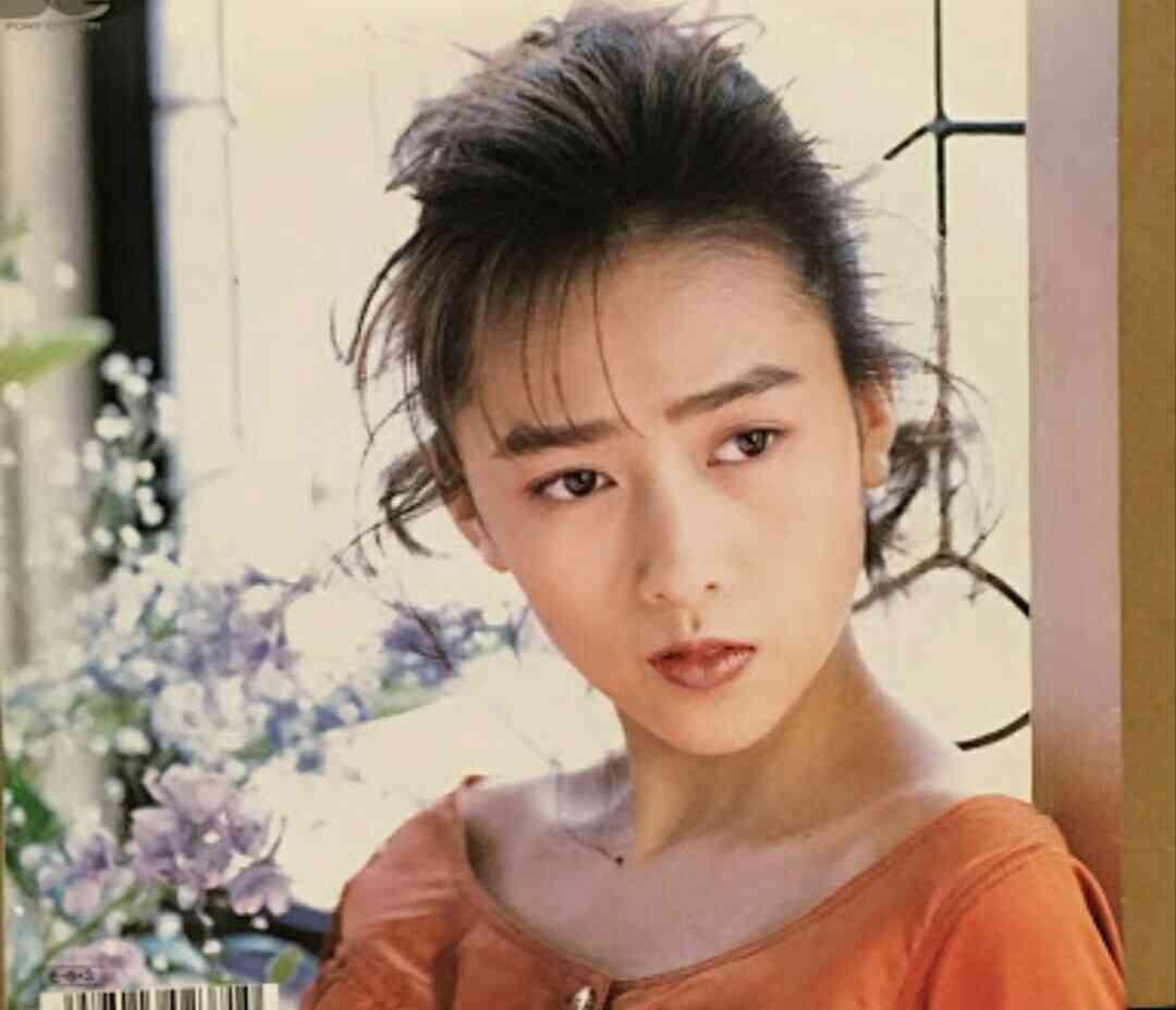 工藤静香、「新鮮で可愛い!」まるで別人のようなお団子ヘアに称賛の嵐