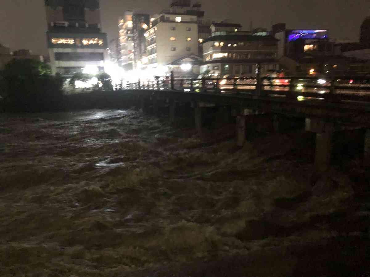 週末にかけて歴史的大雨の恐れ 多発的な土砂災害・河川氾濫に警戒