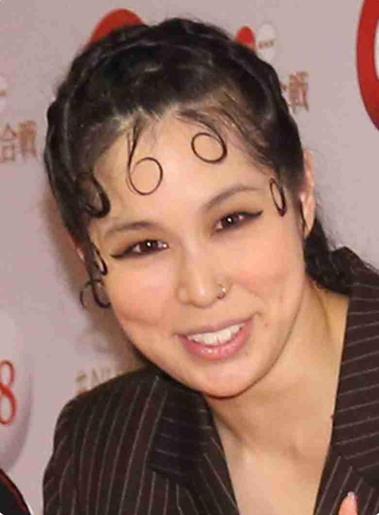 "AI 第2子妊娠、大みそか出産予定 夫HIROは""孝行""願う"