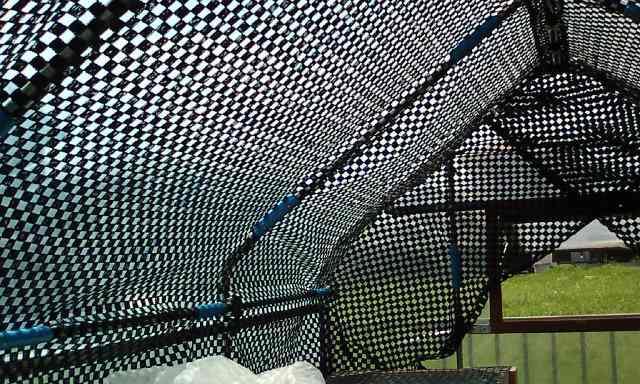 """東京五輪に不安…新国立競技場の暑さ対策は""""打ち水""""の仰天"""