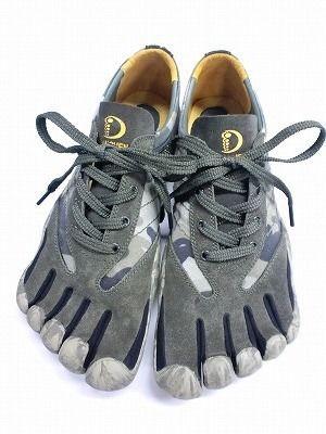 外反母趾・内反小趾の人、どんな靴履いてますか?