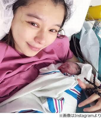 ビビアン・スーが43歳で第2子妊娠!? 点滴姿にファンから期待と心配の声が続々