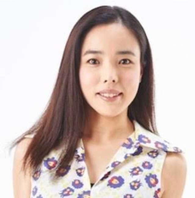 藤田ニコル、アンニュイな表情を浮かべた色っぽい一枚に反響「綺麗になった」「いい女」