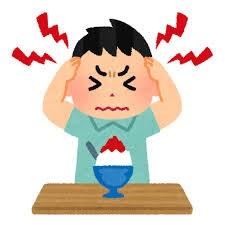 ある特定の食べ物を食べると おこる症状 ありますか?