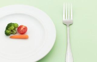 ローラ、筋トレ中の食事メニューを公開も物議に「この量で栄養は…」
