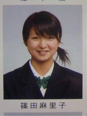 AKB48篠田麻里子、ネイルクイーン2012に選出 あの親指も見せる