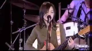 【LIVE】 YUI   「CHE R RY」   YouTube3 - YouTube