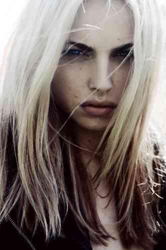 世界初、男性モデルとして活躍する女性ファッションモデルがイケメンすぎる!