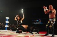 【ライブレポート】T.M.Revolution×全日本プロレス、男子限定タッグイベントで熱戦 (BARKS) - Yahoo!ニュース